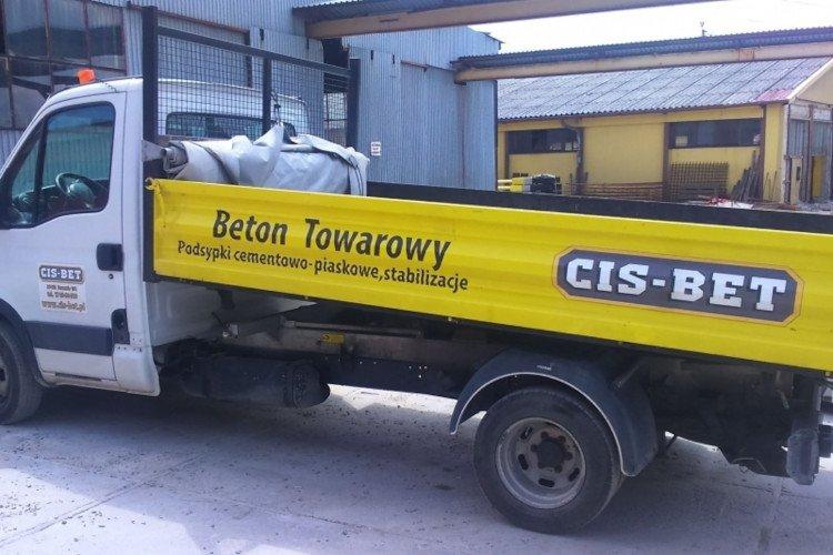 Transport betonu wywrotką do  1,5m3
